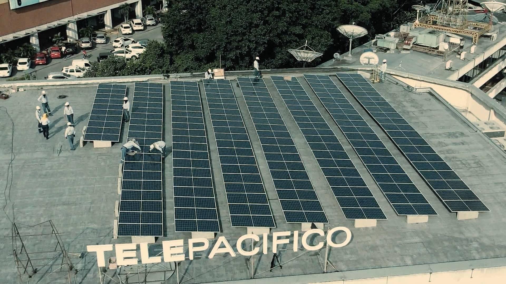 Telepacífico es el primer canal de televisión pública en Colombia en operar con paneles solares